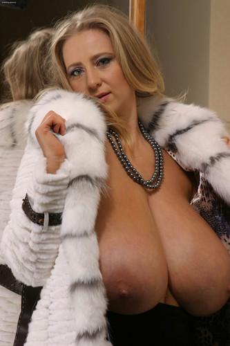 Nelli Roono Big Tits 47